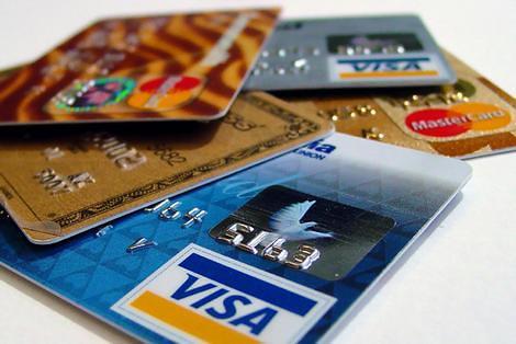 Kleinzoon vergokt €115.000 met kredietkaart van oma